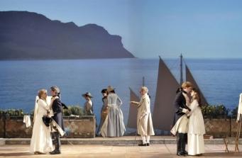 Cosi fan tutte, Festival d'Aix 2008 / Stage director : Abbas Kiarostami Scenography : Chloé Obolensky Light : Jean Kalman
